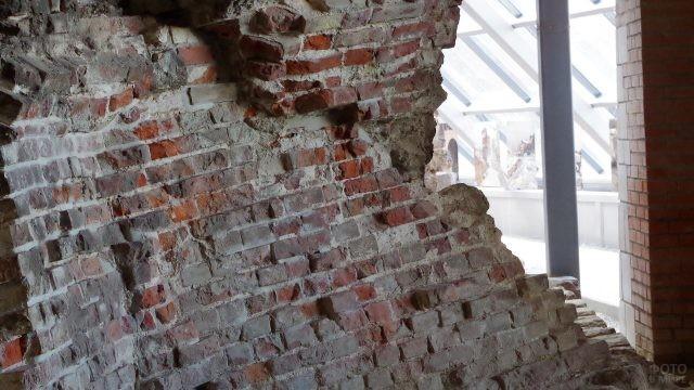 Подлинные фрагменты Зачатьевской башни