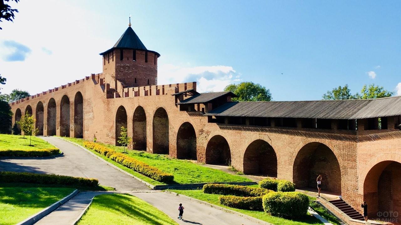 Внутренние стены Нижегородского Кремля
