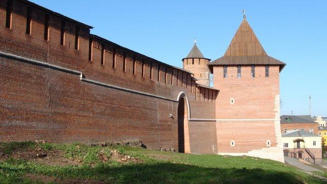 Зачатьевская башня сбоку
