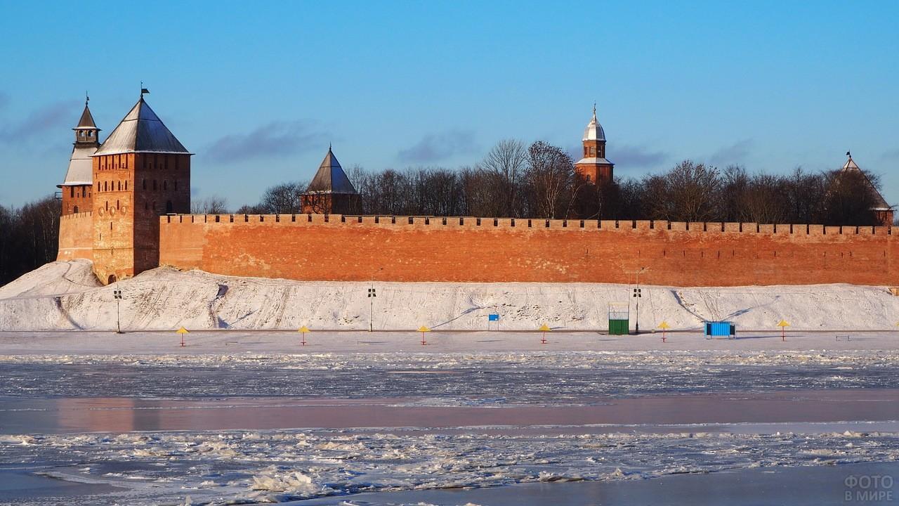 Зимний Новгородский Кремль
