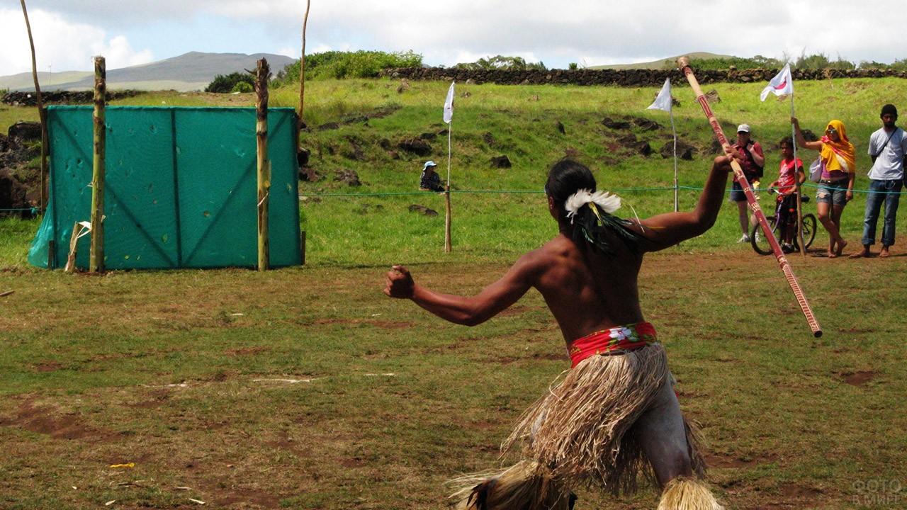 Участник состязаний на фестивале Тапати
