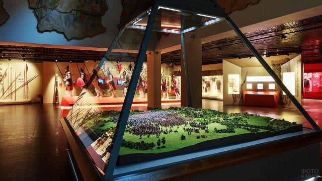 Экспонат музея - точная детальная диорама Куликовской битвы