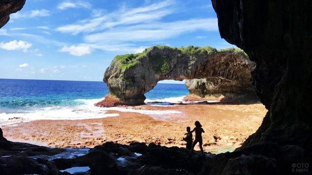 Природные ворота острова Ниуэ