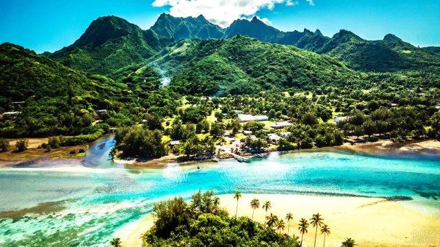 Раротонга - самый большой из островов Кука