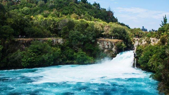Смотровая площадка у водопадов Хука