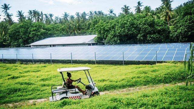 Станция солнечных батарей Факаофо на территории Токелау