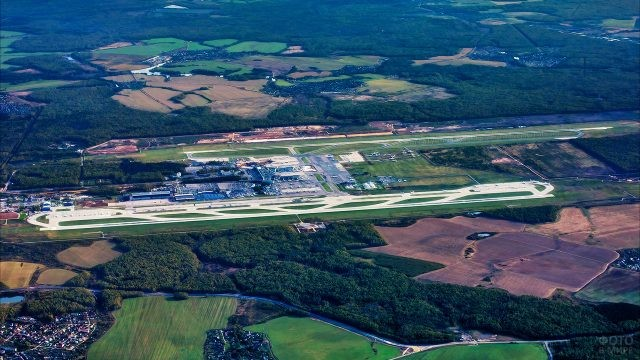 Вид из самолёта на аэродром Домодедово