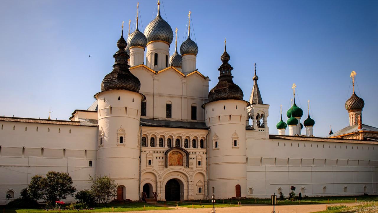 Церковь Воскресения в Ростовском Кремле