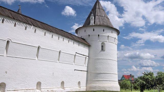 Круглая башня Ростовского Кремля