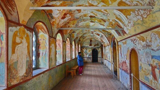 Крытая галерея Кремля