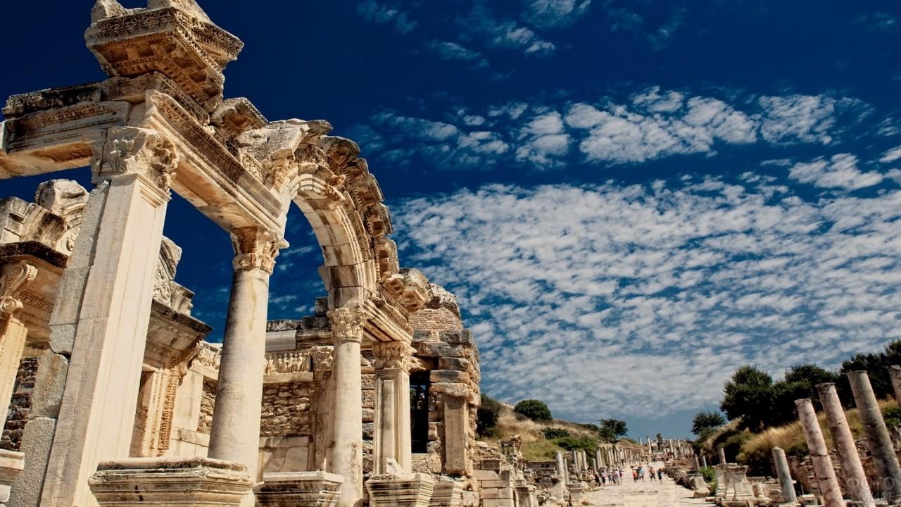 Древняя улица Эфеса