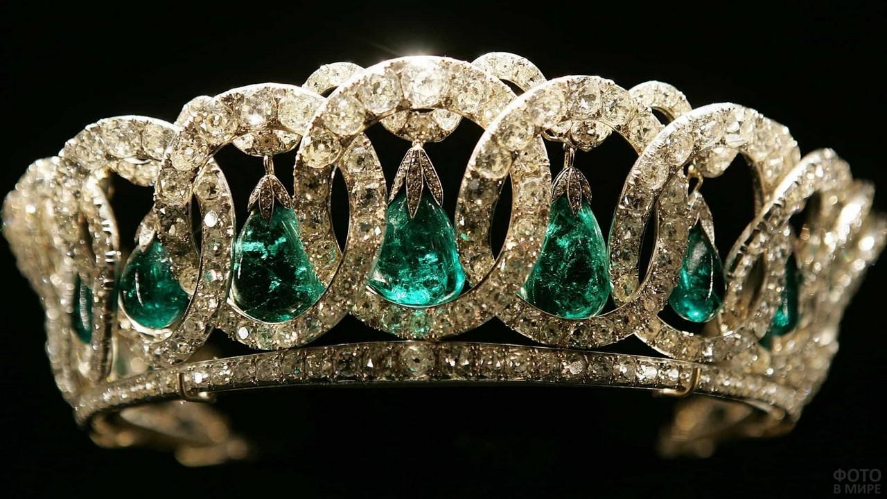 Диадема с изумрудами и алмазами