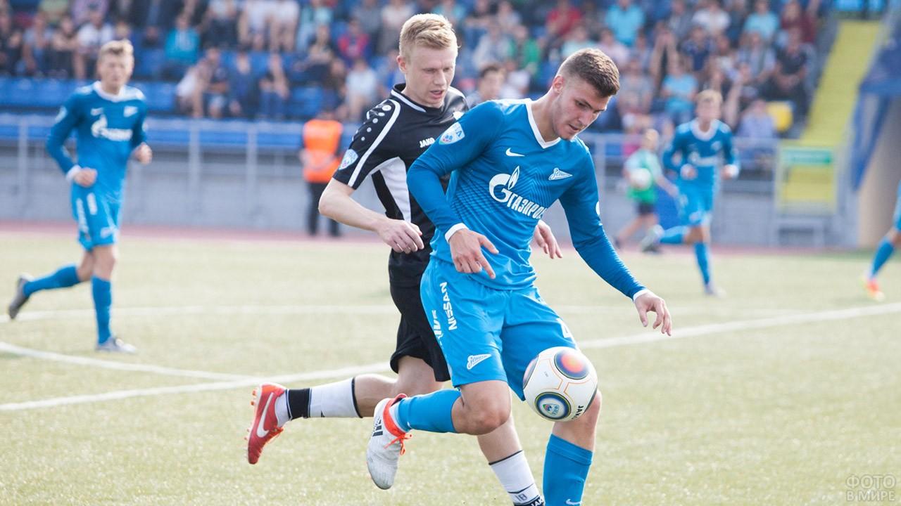 Восходящая звезда футбола Алексей Гасилин