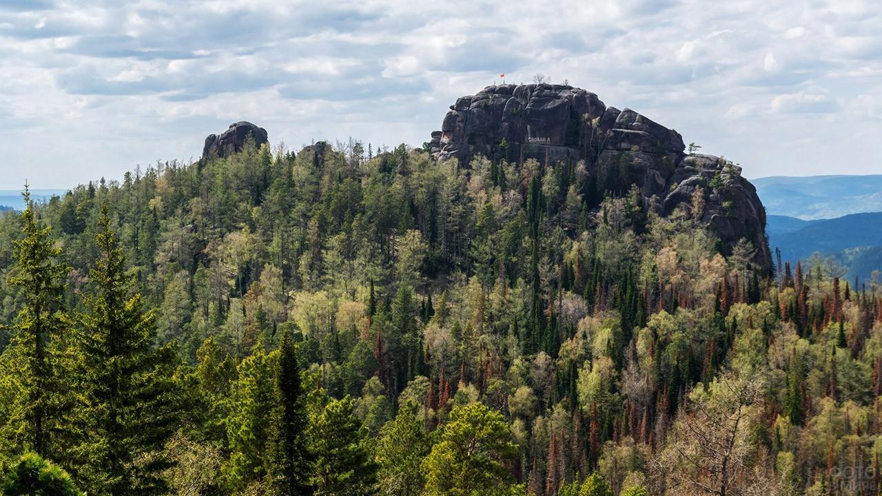 Девяностометровый Второй столб - самая высокая гора в заповеднике
