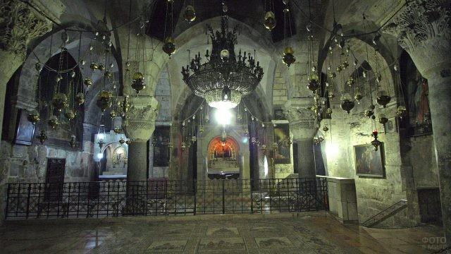 Подземная церковь святой Елены