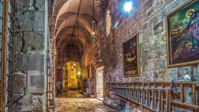 Стена Константина в Храме Господнем
