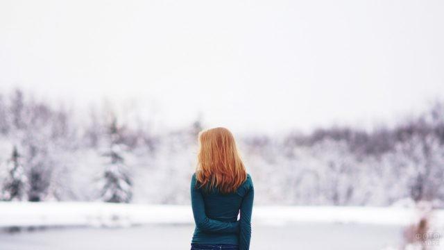 Девушка в зимнее время года