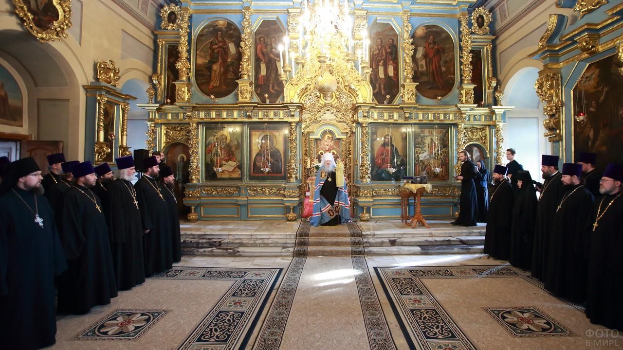 Духовенство Новодевичьего монастыря