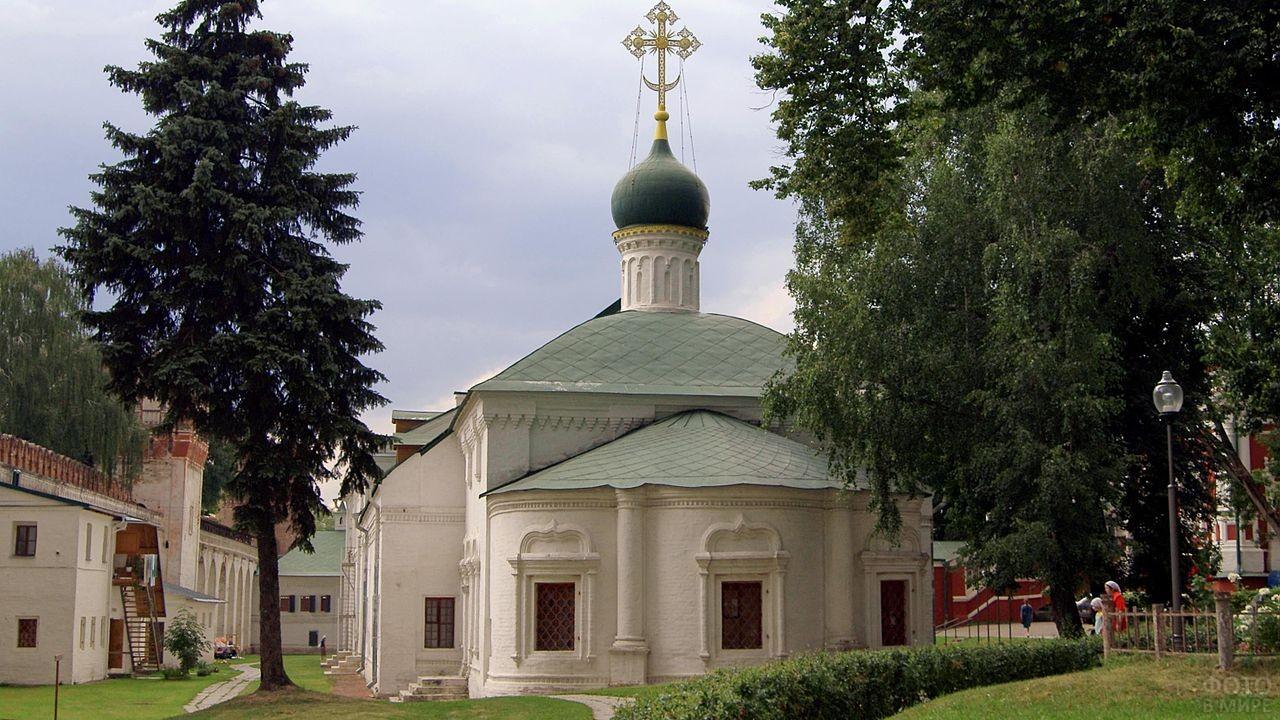 Храм Святого Амвросия
