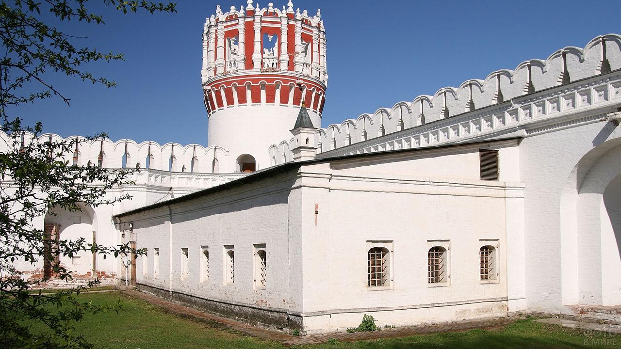 Караульня Новодевичьего монастыря