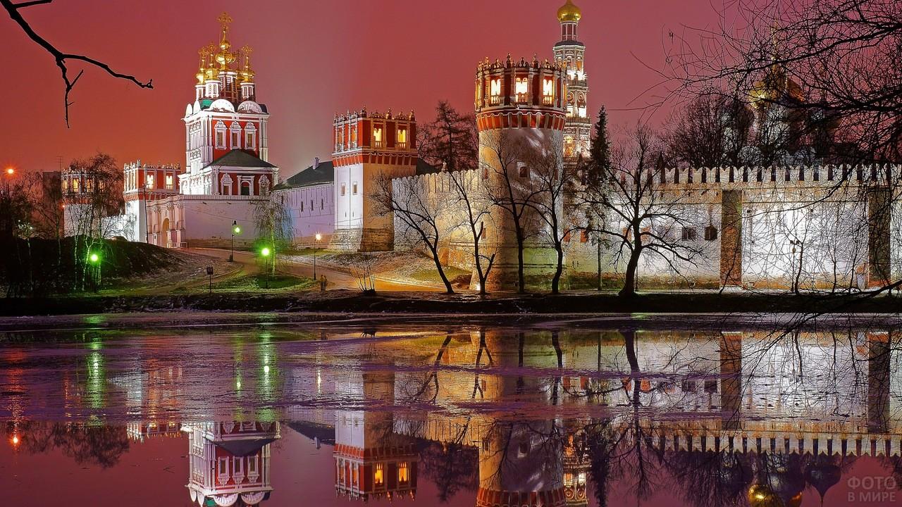 Подсветка Новодевичьего монастыря