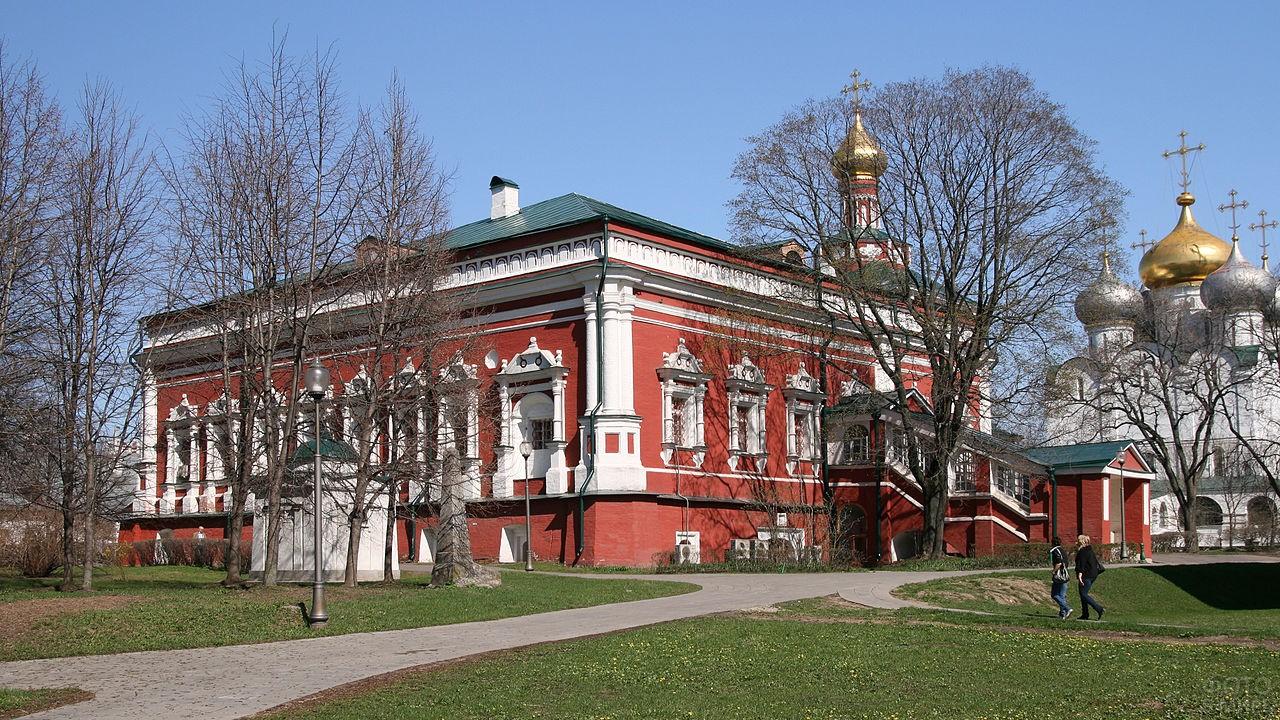 Трапезная палата монастыря