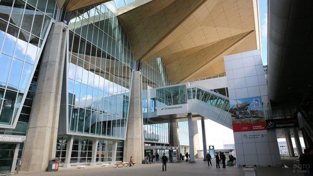 Переходы нового международного терминала