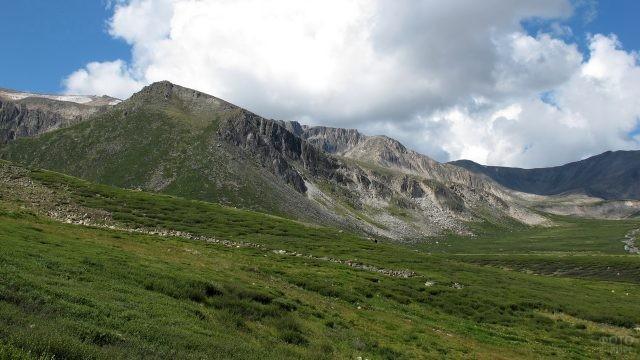Горы на плато Укок